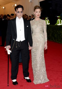 Johnny deep y amber heard en gala del met