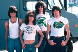 The Ramones con crop top para hombre